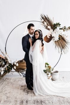 From the stunning country landscape to the muted, elegant colour palette of black, grey and gold. The team worked to capture our real-life newlyweds Reuben & Charmaine, in a setting where Australian country beauty took on its own sense of the moment glamour.