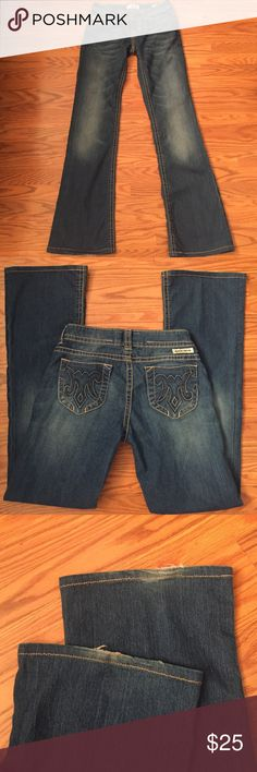"Mek denim jeans Mek denim jeans Orleans boot cut, some wearing on back bottom legs(in pic) inseam 31"" MEK Jeans Boot Cut"