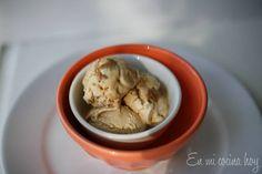 El helado de lúcuma es probablemente el sabor más popular en Chile, amamos esta fruta de extraño sabor mezcla de manjar, caramelo, y flores.