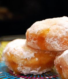 A New Family Food Tradition for Hanukkah: Mini Salted Caramel Sufganiyot Desserts To Make, Sweet Desserts, Delicious Desserts, Dessert Recipes, Beignets, Hanukkah Food, Hanukkah Celebration, Hannukah, Christmas Party Food