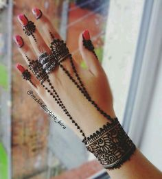 Here in this post we are bringing for you the best and Beautiful Eid Mehndi Designs for Eid-ul-Fitr 2018 that will add radiance in ladies charm and beauty. Eid and Mehndi designs have a relationship between them. Henna Hand Designs, Mehndi Designs Finger, Mehndi Designs For Girls, Unique Mehndi Designs, Mehndi Designs For Fingers, Beautiful Henna Designs, Henna Tattoo Designs, Finger Mehndi Style, Unique Henna