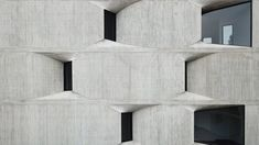 Young & Ayata and Michan Architecture have collaborated on DL1310, an apartment block in Mexico City with an exposed concrete facade. Concrete Facade, Exposed Concrete, Concrete Structure, New York Architecture, Architecture Office, Residential Architecture, Concrete Architecture, Amazing Architecture, Grey Exterior