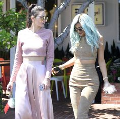 Kendall and Kylie leaving Fred Segal Mauro Cafe in LA (July 10th, 2015)