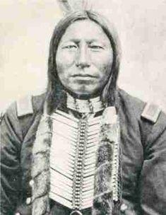 Crow King: Sioux: uno dei capi che guidarono i guerrieri indiani alla vittoria di Little Big Horn
