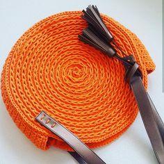 Marvelous Crochet A Shell Stitch Purse Bag Ideas. Wonderful Crochet A Shell Stitch Purse Bag Ideas. Crochet Shell Stitch, Crochet Yarn, Crochet Handbags, Crochet Purses, Handmade Handbags, Handmade Bags, Crochet Purse Patterns, Round Bag, Crochet Slippers