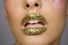 Here's How to Make Edible Glitter