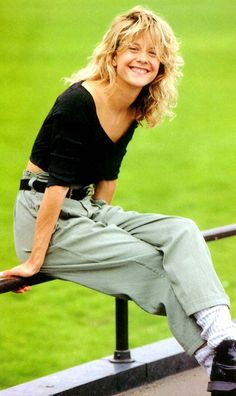 This is exactly how I used to dress in the 80s. Even down to the baggy socks My hair was not that cool tho...Nobody has hair like Meg Ryan❤️
