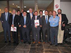 Entrega de diplomas por parte de Norbert Ullmann, de la primera promoción en España de SCI international measures  de la SCI Foundation