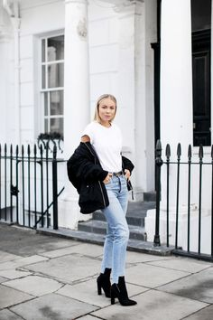Navy coats, golden sequins, high heeled pumps and distressed jeans are things we're keeping on eyes on this week. Don't forget to let us know which look is your Denim Fashion, Girl Fashion, Fashion Outfits, Denim Outfits, Street Fashion, Womens Fashion, Levis 501, Mode Outfits, Casual Chic