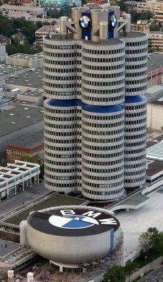 Trabajar en los headquarters de BMW, Munich.