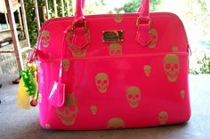 Must have this PINK skull bag!! :)