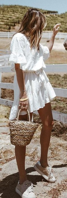My Part Time Gig: Horse Whisperer 🐴 Shop My Summer Dresses And This Outfit: Casual Summer Outfits, Holiday Outfits, Cool Outfits, Spring Outfits, Summer Dresses, Boho Fashion, Fashion Outfits, Dressed To Kill, Minimal Fashion