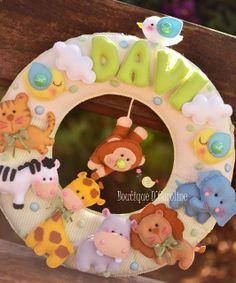 Atelier - Boutique D' Caroline Felt Wreath, Felt Garland, Felt Ornaments, Name Crafts, Felt Crafts, Easter Crafts, Baby Mobile Felt, Felt Baby, Boutique D Caroline
