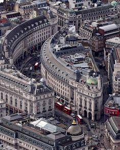 Regent Street [Westminster] Londres U. London City, Old London, Streets Of London, Vintage London, Beautiful London, Beautiful Places, Photo Voyage, London Places, London United