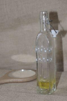 Connais-tu Le soin du visage efficace, écologique et économique ? Utilise de l'huile pour hydrater ta peau.