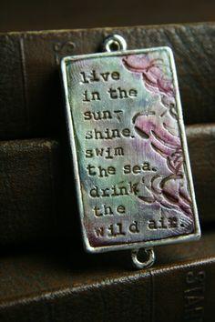 Erin of Tesori Trovati is so inspiring in every way!  I love this pendant!