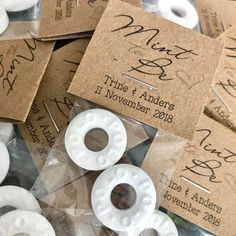 39 Cheap Wedding Favours for or Less is part of Wedding gift favors - You can still have fabulous favours if you're on a tight budget! We've rounded up 39 beautiful and cheap wedding favours that cost or less Creative Wedding Favors, Inexpensive Wedding Favors, Cheap Favors, Wedding Gifts For Guests, Beach Wedding Favors, Personalized Wedding Favors, Bridal Shower Favors, Wedding Favours Mints, Wedding Favours On A Budget