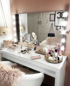 20 best makeup vanities & cases for stylish bedroom makeup vanity decor Vanity Room, Makeup Rooms, Room Inspiration, Glam Room, Bedroom Decor, Home Decor, Room Decor, Apartment Decor, Stylish Bedroom