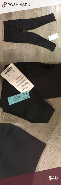 """Lululemon 'Zone in Crop' yoga pants, size 6 - NWT Say """"Om"""" with these NWT cropped pants from Lululemon. High-rise yoga crops engineered with zoned compression to keep you feeling held in and supported in all the right places. Size 6. lululemon athletica Pants Leggings"""