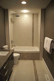 Vertical accent band, glass & stainless steel mosaic tiles -dombri design    PORTFOLIO