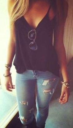 #Summer #Outfits Black Blouse + Jeans