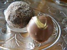 The Best Chocolate Truffle Recipe: Easy and Homemade