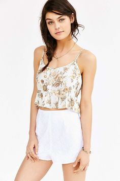 Kimchi Blue Daisy Embroidered Short - Urban Outfitters