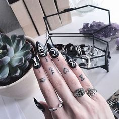Here's @kimiperi featuring her Regal Rings and Love You To Death Jewellery Casket! Don't forget to GRAB 20% OFF ALL RINGS this Valentine's Day! Enter 'BEMINE' at checkout. Ends midnight (GMT)