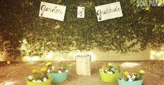Wie heeft jou helpen groeien, plant een zaadje of plantje voor diegene in de tuin van dankbaarheid...