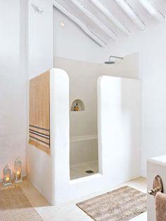 Idée décoration Salle de bain Inspiration pour une salle de bain comme en Grèce #inspiration #déco