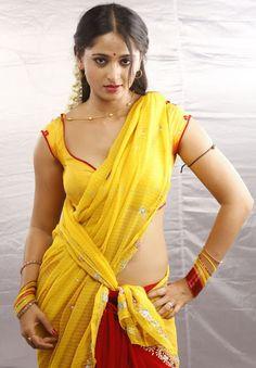Anushka Shetty- anushka,anushka hot,anushka photos,Latest News,movies,Wallpapers,Photos, Videos: Anushka shetty yellow saree