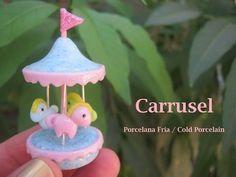 Carrusel miniatura / Porcelana fria ♥ polymer clay / como hacer llaveros - YouTube