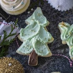 Tender and buttery sugar cookies iced with fluffy buttercream. Butter dream sugar cookies do not require refrigeration prior to baking. Buttery Sugar Cookies, Sugar Cookies Recipe, Yummy Cookies, Cookie Recipes, Dessert Recipes, Desserts, Cookie Do, Cookie Icing, Chocolate Caramels
