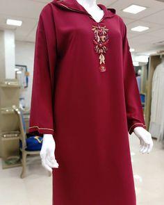 Mode Abaya, Hijab Fashionista, Evening Dresses For Weddings, Kurti, Embroidery Designs, Chic, Vogue, Model, Style