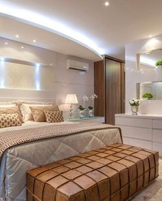 Um sonho! Marque aquela pessoa que amaria este quarto também! Projeto Iara Kilaris Via @maisdecor_ www.homeidea.com.br Face: /homeidea Pinterest: Home Idea #homeidea #arquitetura #ambiente #archdecor #archdesign #projeto #homestyle #home #homedecor #pontodecor #homedesign #photooftheday #interiordesign #interiores #picoftheday #decoration #revestimento #decoracao #architecture #archdaily #inspiration #project #regram #home #casa #grupodecordigital #quartocasal