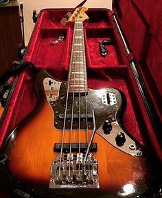 いいね!7,017件、コメント45件 ― Bass Player Magazineさん(@bassplayermag)のInstagramアカウント: 「A Fender Jaguar Bass with a custom whammy bar played by Sergio Vega of Deftones. @smurffedout…」