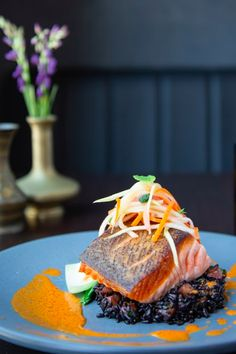 Chef Banks White's dish for the Star Chef's Rising Stars Tasting Gala in San Francisco features Verlasso salmon, forbidden black rice, bok choy, and papaya with red curry sauce. Red Curry Sauce, Star Chef, Black Rice, White Dishes, Salmon Recipes, Banks, San Francisco, Fish, Canning