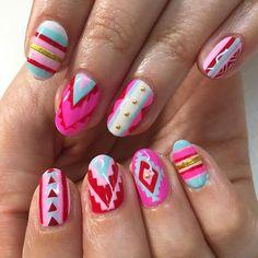 Tribal freestyle nails for Molly 💕 #nails #nailart #gelnails #tribalprint #sparklesf