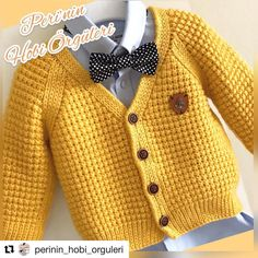 Hand Knit Cardigan Models - Handmade That Knitted Baby Cardigan, Knitted Baby Clothes, Hand Knitted Sweaters, Baby Sweaters, Crochet For Boys, Knitting For Kids, Baby Knitting Patterns, Hand Knitting, Handgestrickte Pullover