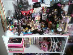 girl clutter