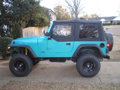 turquoise jeep wrangler only color id take a jeep in <3