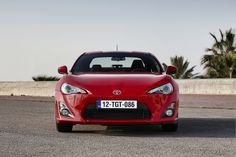 Red Toyota GT86