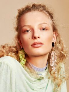 Rising mode l Frederikke Sofie is styled by Masha Fedorova in pastel femininity . Txema Yeste is in the studio for Vogue Russia May 2018 cover story./ Hair by Laurent Philippon; makeup by Helene Viasnier Freja Beha Erichsen, Red Louboutin, Contemporary Photographers, Flowers Online, Photo Story, Vogue Russia, Pretty Pastel, About Hair, Beauty Photography