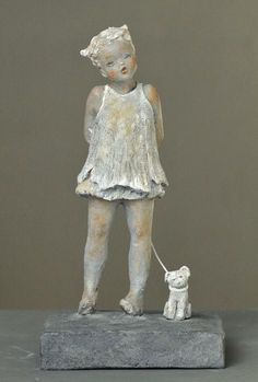 W Fine Porcelain China Diane Japan Sculpture Museum, Paper Mache Sculpture, Sculptures Céramiques, Pottery Sculpture, Sculpture Art, Ceramic Sculpture Figurative, Abstract Sculpture, Ceramic Figures, Ceramic Artists