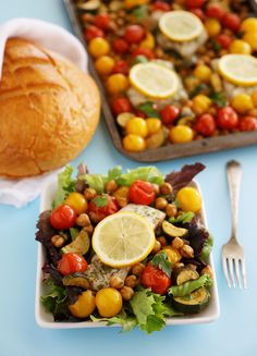 Greek Lemon Baked Fish with Tomatoes, Zucchini and Chickpeas – so easy and healthy | thecomfortofcooking.com