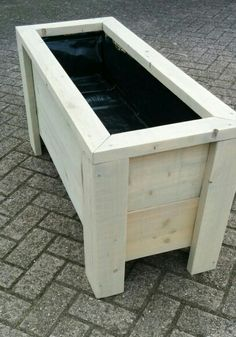 DIY Garden Decorating Ideas on a Budget - Wooden Planter Boxes DIY Wooden Planter Box You are in the right place about Garden Planters white Here we offer you the most beautiful Wooden Planter Boxes Diy, Pallet Planter Box, Garden Planter Boxes, Wooden Garden Planters, Diy Planters, Wooden Diy, Wooden Pallets, Garden Diy On A Budget, Diy Garden