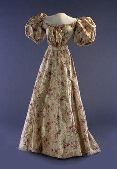 Dress: 1900, printed silk taffeta.