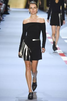 Mugler Spring 2016 Ready-to-Wear Fashion Show - Andreea Diaconu (IMG)