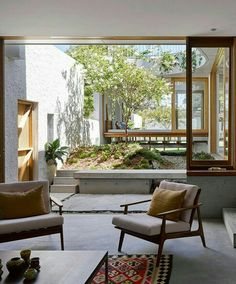 patio, a green space within a contemporary house House Styles, Interior Architecture Design, House Design, Home Interior Design, House Inspiration, House Interior, Home Deco, Home, Interior And Exterior
