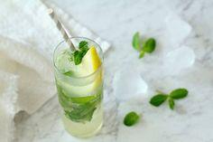 「冷凍レモン」で作るレモンサワーが最高にうまい! 夏日に作りたい、爽快レモンドリンクレシピ3選 - dressing(ドレッシング)